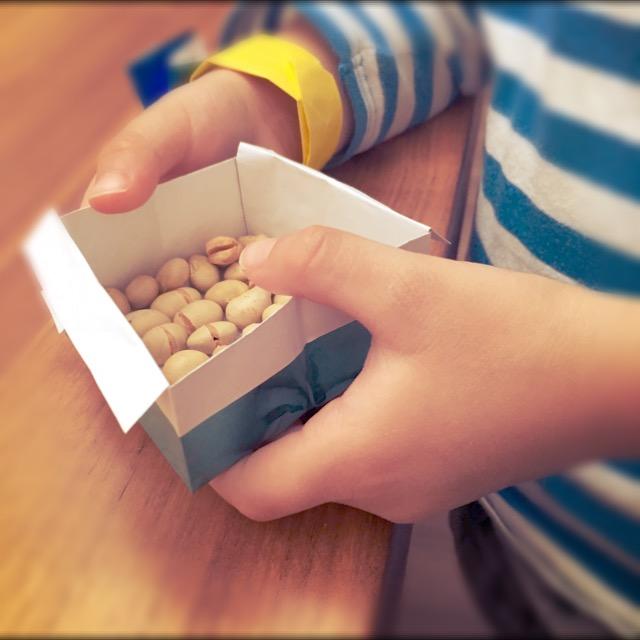 節分の豆まきを小さい子どもたちと楽しむ工夫。工作鬼さんで盛りあがりました。