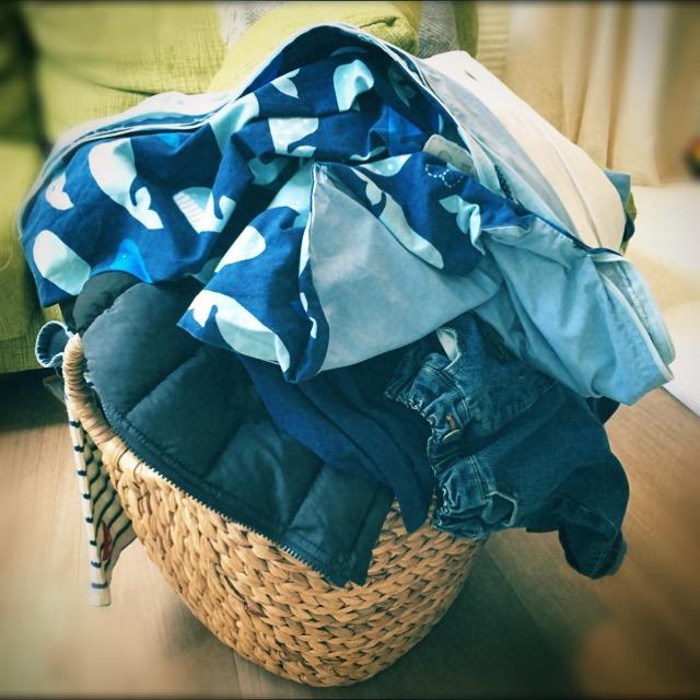 洗濯物をたたんだ後の悩み。子どもにくずされる前にしまうコツ。