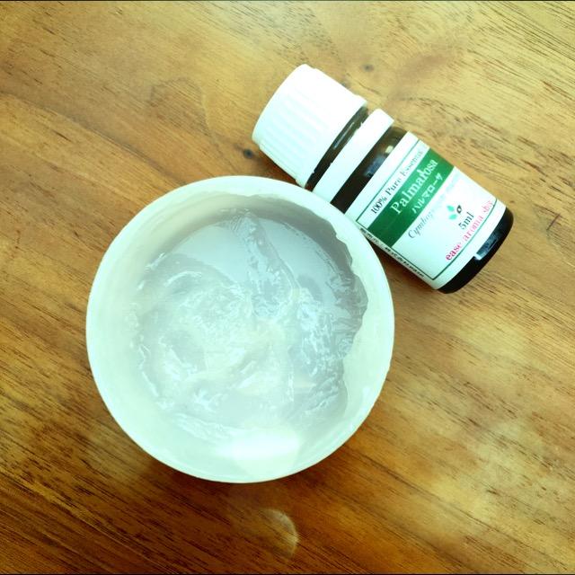 手の乾燥にも宇津木流スキンケア。ワセリン+アロマをためしてみました。