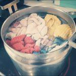 子どものお手ふきタオルをエコ煮洗い。保温鍋と過炭酸ナトリウムでしっかりスッキリ