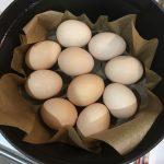 ストウブ鍋でゆで卵ならぬ蒸し卵。時短&節水で驚くほど簡単です【毎日staub】