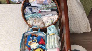 ベビーベッドまわりの収納を工夫【無印・100均・カゴ】ワンアクションで赤ちゃんのお世話が楽になります